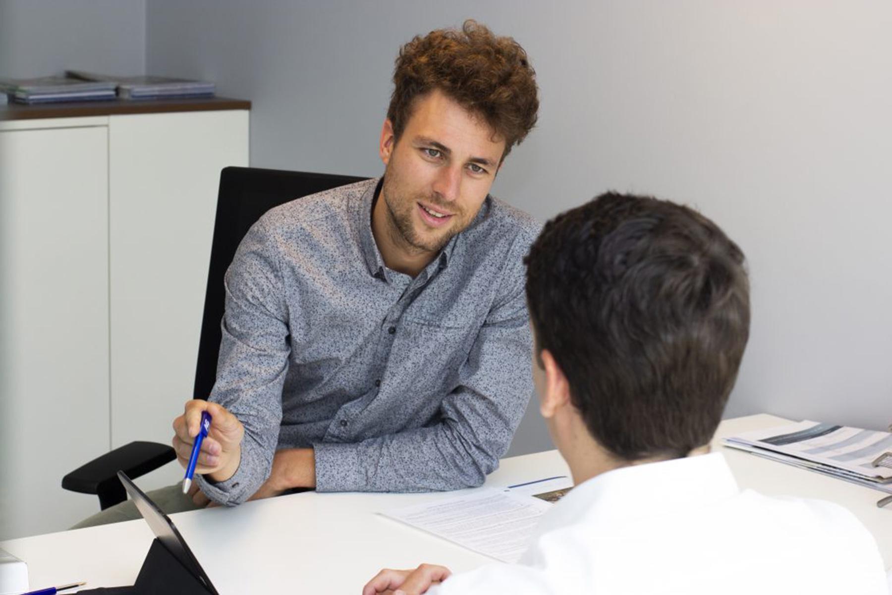 Hoe kunnen wij u bijstaan als makelaar richting beroepsaansprakelijkheid?